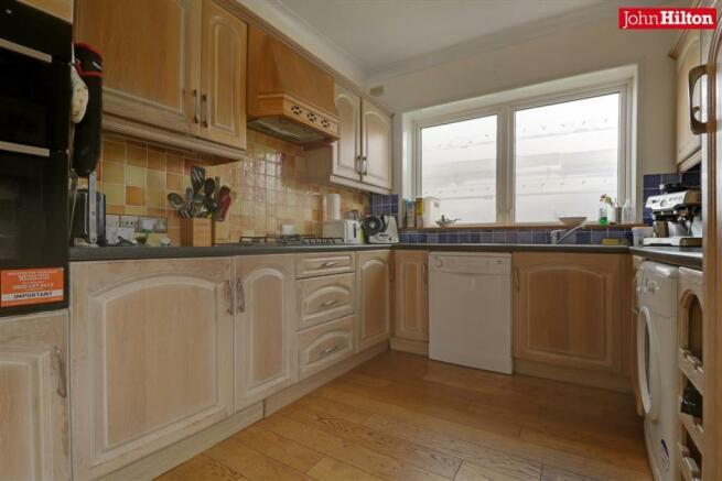 996. Kitchen.jpg