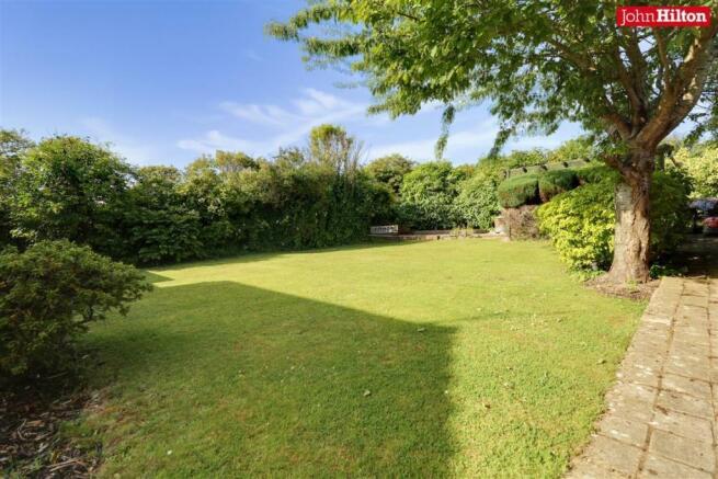 997. Garden.jpg