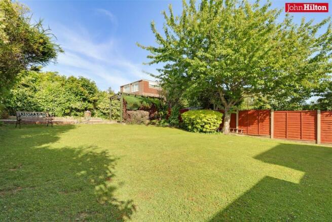 997. Garden (2).jpg