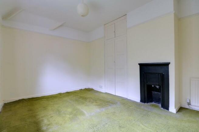 1013. Bedroom 1 (2).jpg
