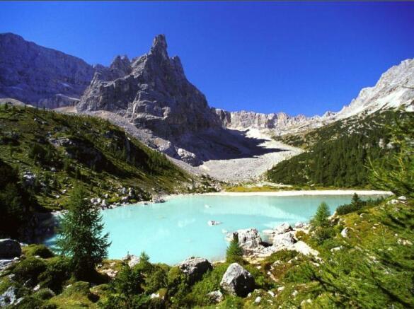Lake Cortina