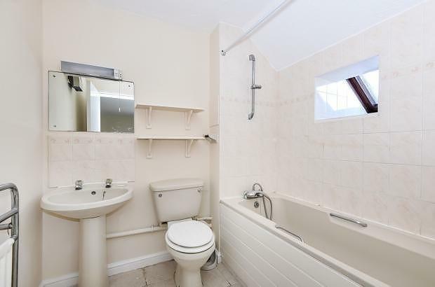 Bathroom 2 Apartment