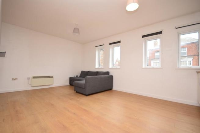 Living room Flat to