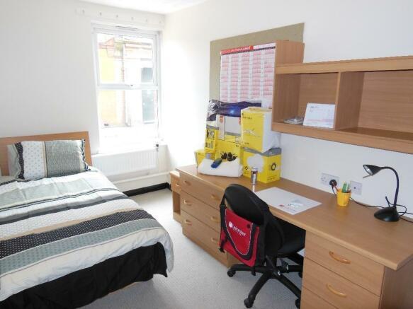 4 bedroom private halls to rent in pennine house - Millennium home design fort wayne ...