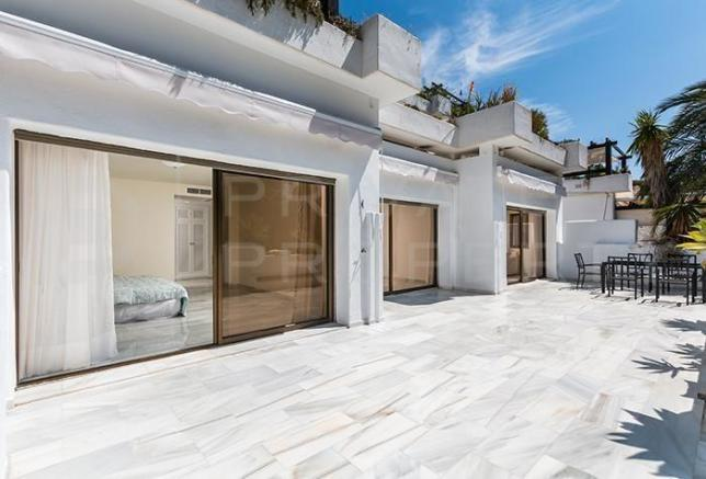 Incredible 2 Bedroom Apartment For Sale In Golden Mile Marbella Malaga Download Free Architecture Designs Scobabritishbridgeorg