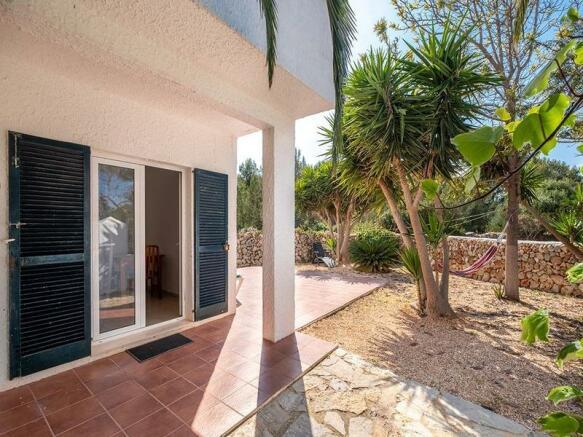 Villa with garden in countryside setting in Santandria