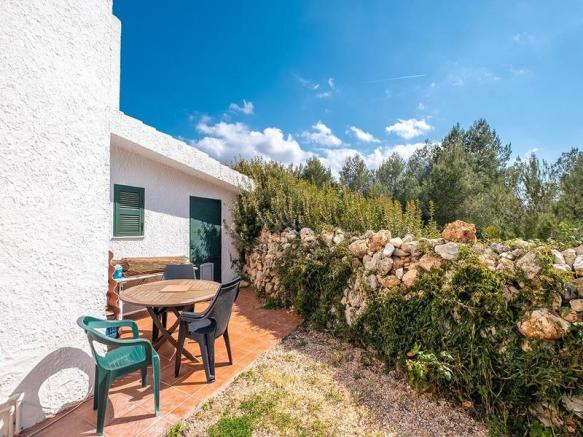 Lovely Villa located just a few steps from the Santandria beach.