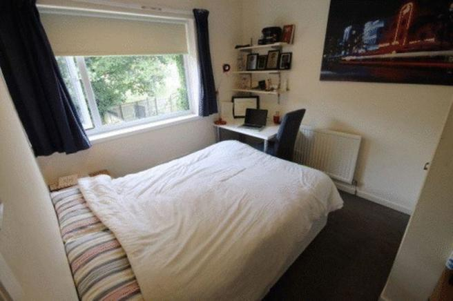 Bedroom 2- Pho...