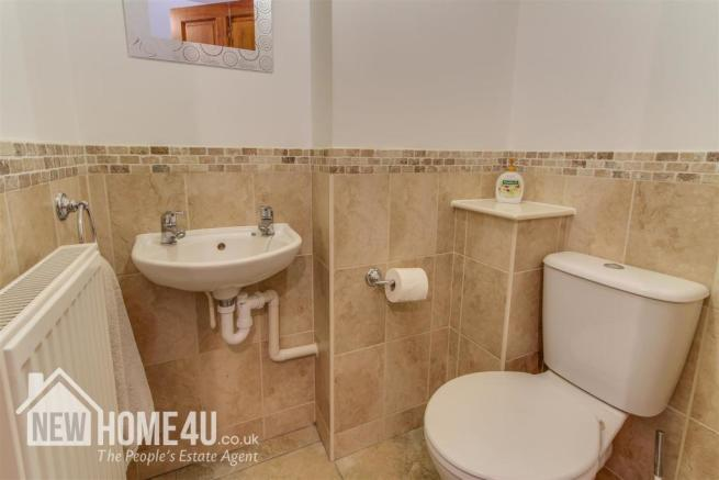 DOWNSTAIRS TOILET: