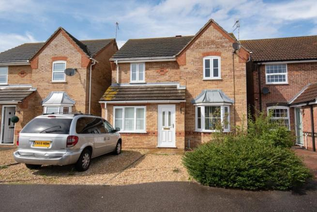 3 bedroom detached house for sale in Stephenson Close ...