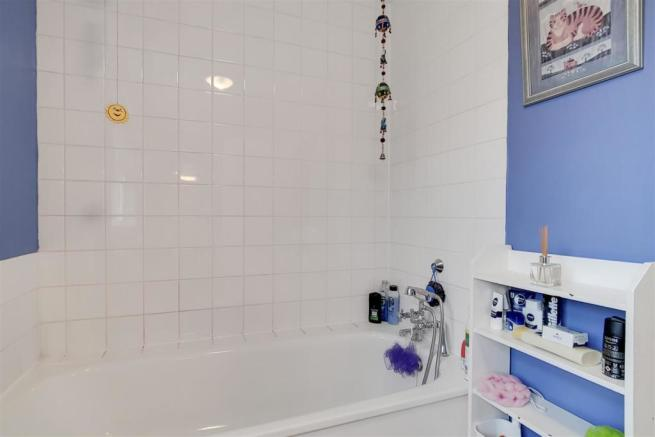 13_Bathroom_2_13.jpg