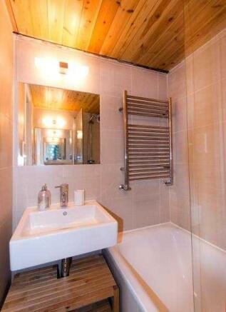 JA St Charles Bathroom Pic