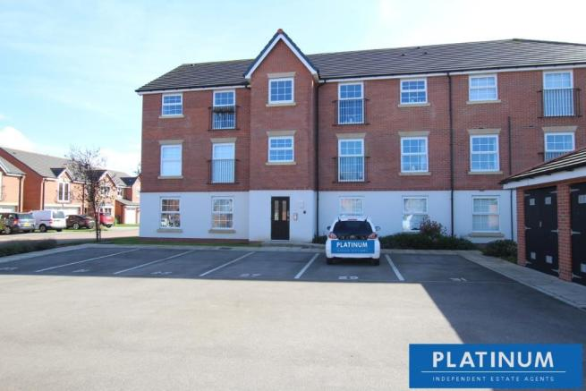 2 bedroom apartment for sale in Tryfan Way, Rivacre, CH66