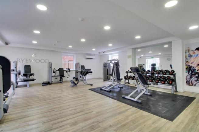 GYM - LOCATED CLOSE BY