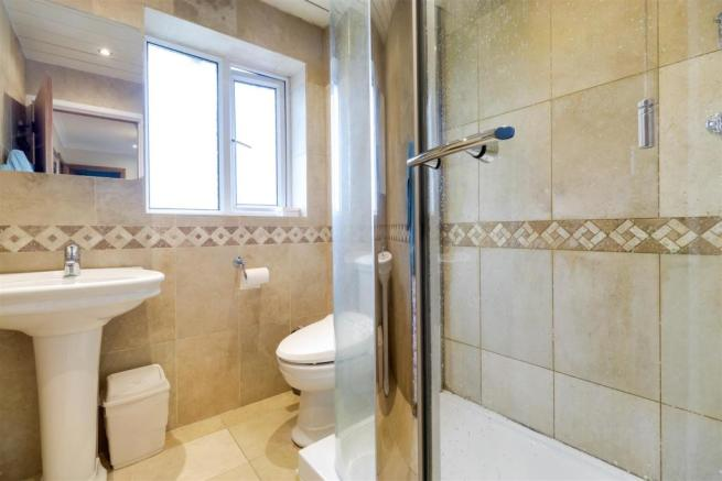 HOUSE SHOWER ROOM