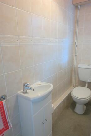 WC & SHOWER ROOM