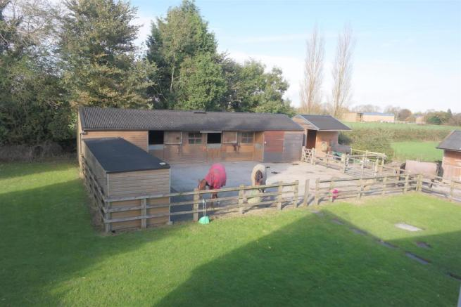 EXERCISE YARD AND STABLES.jpg