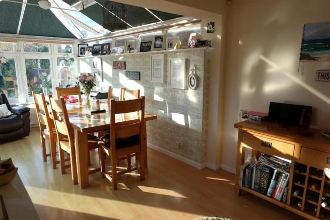 Dining/ Conservatory Room