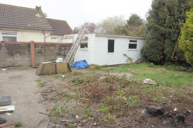 Rear garden and workshop