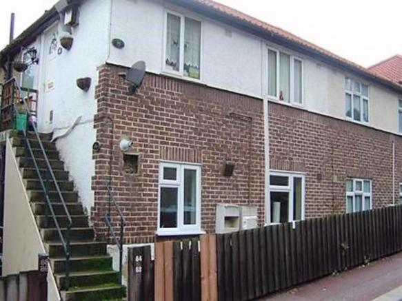 2 Bedroom Ground Floor Flat For Rent In Upper Luton Road Chatham Me5