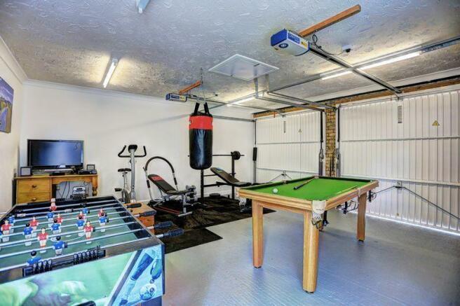 Double garage ...