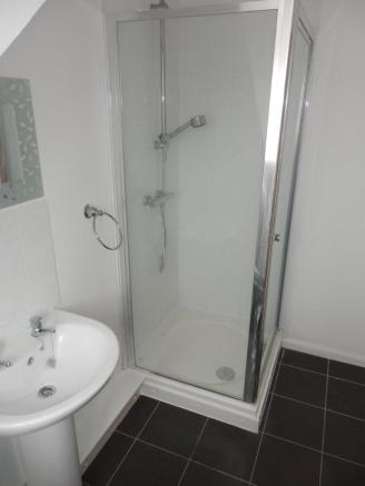 FLAT SHOWER ROOM