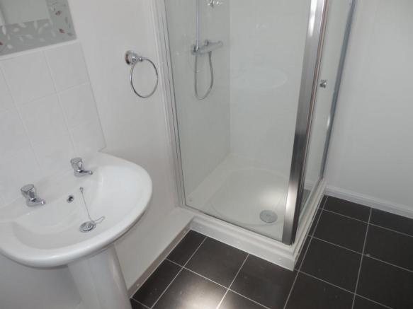 TOP FLAT SHOWER ROOM