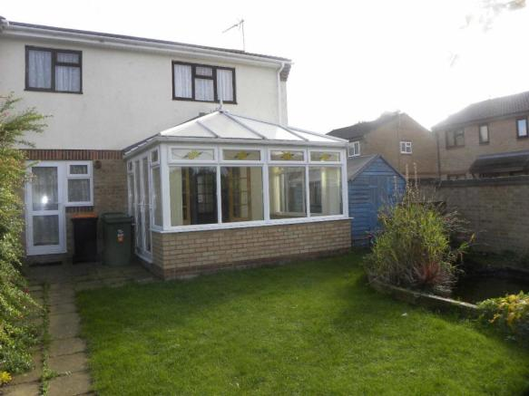 3 bedroom semi-detached house to rent in Hammersmith Close