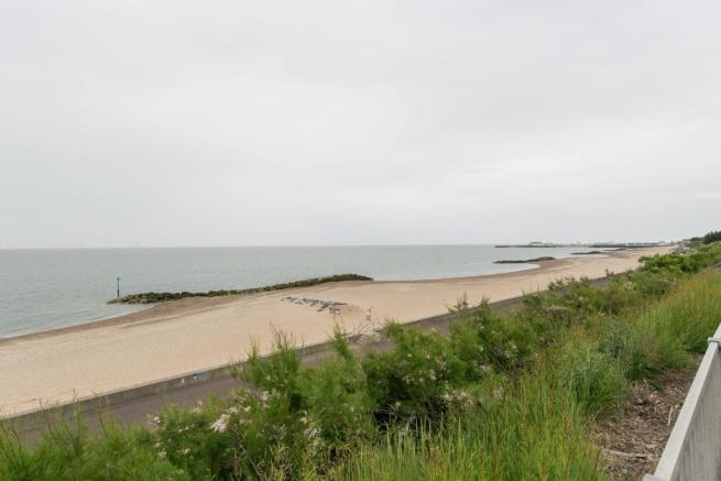 ADDITIONAL PHOTO BEACH TO FRONT