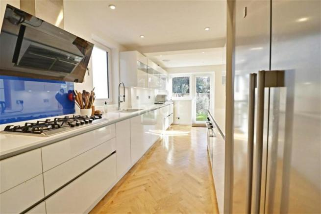 adc9271697a4 4 bedroom semi-detached house to rent in Lansdowne Road
