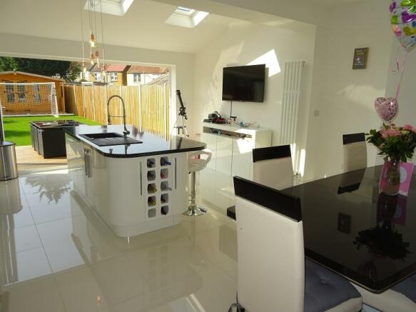 Open plan kitchen diner