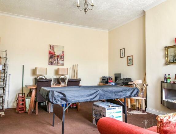 Living/Bedroom.