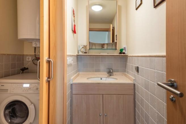 Utility room / guest