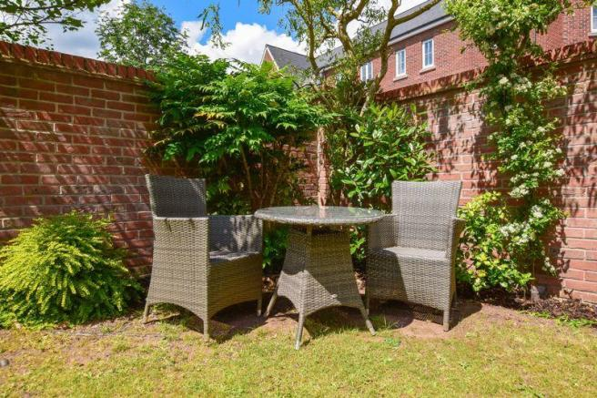 4 Bedroom Property For Sale In Chaise Meadow Lymm Wa13