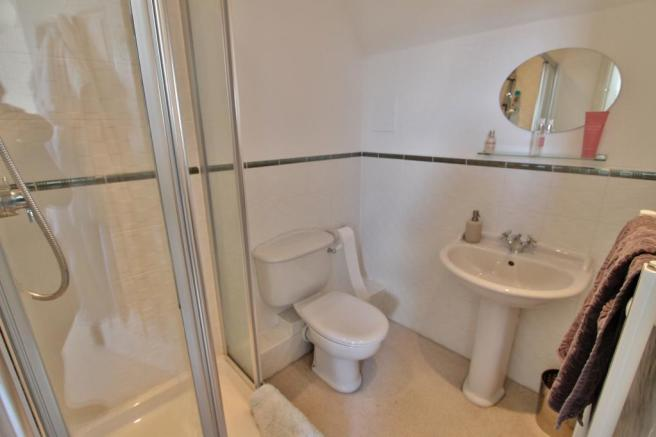 Bathroom (Ensuite to Bed 5)