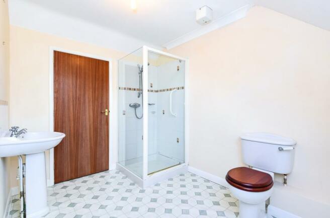 Bathroom (Bathroom 3)