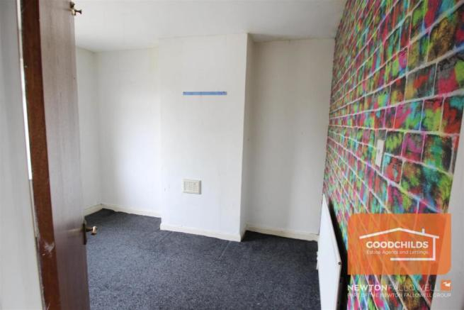 oak bedroom 2.JPG