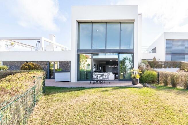 4+3 bedroom villa