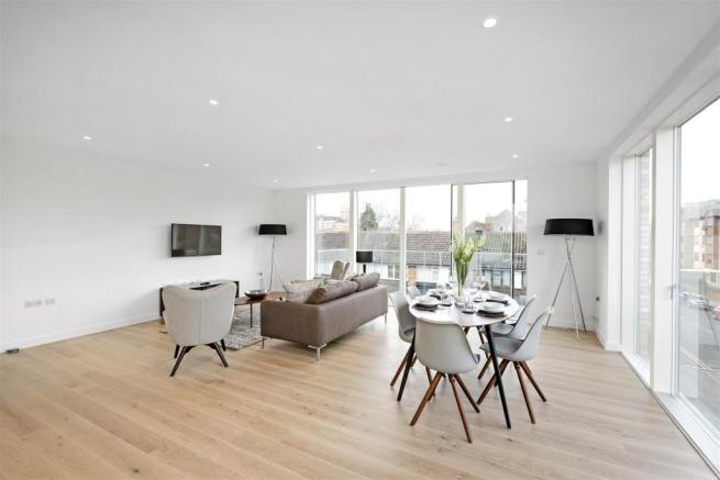 12039_asr___stage_house___6.jpg & 3 bedroom flat for sale in Stage House Griffiths Road Wimbledon SW19
