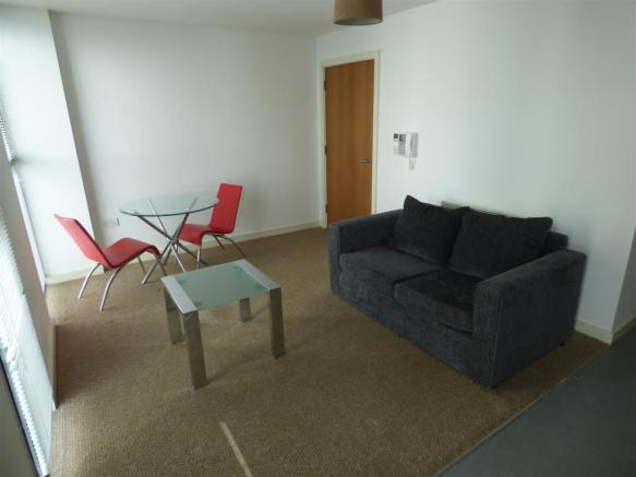 Lounge/Bed/Dining