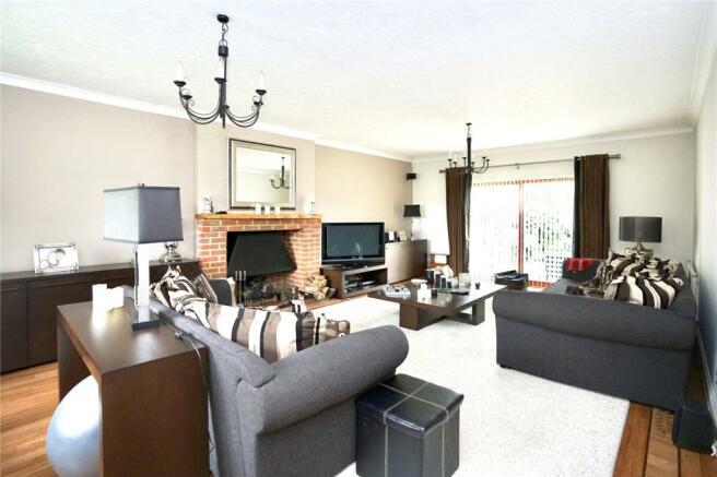 Living Room Long