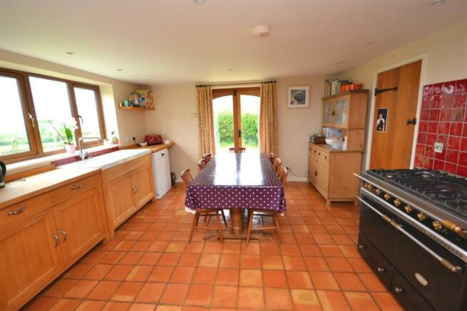 Kitchen 3 a.jpg