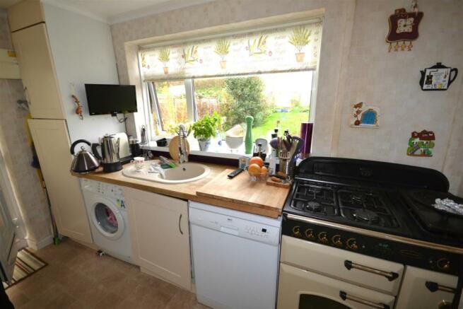 Kitchen 1 a.jpg
