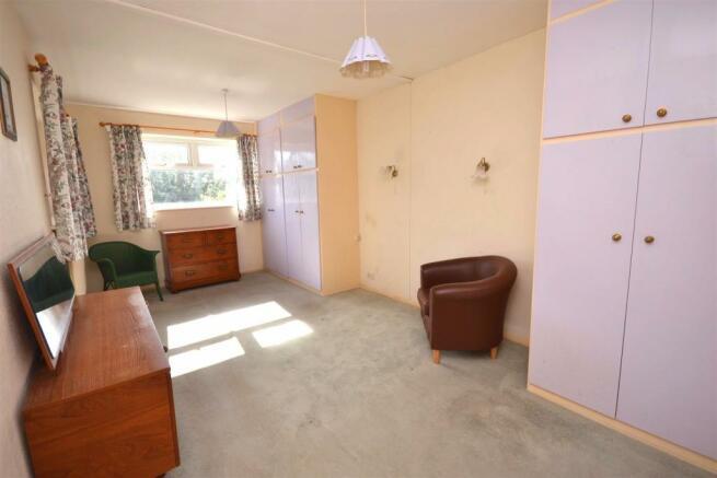 Bedroom One 1.JPG