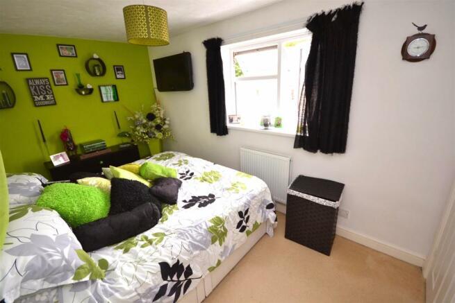 Bedroom One a (4).jpg