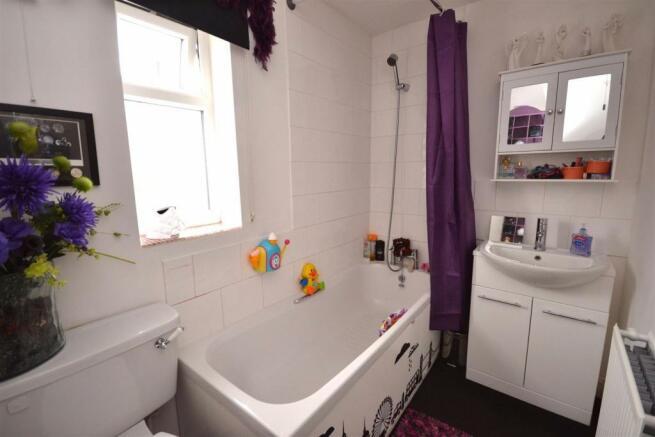 Bathroom a (3).jpg