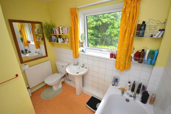 Bathroom 1 a.jpg