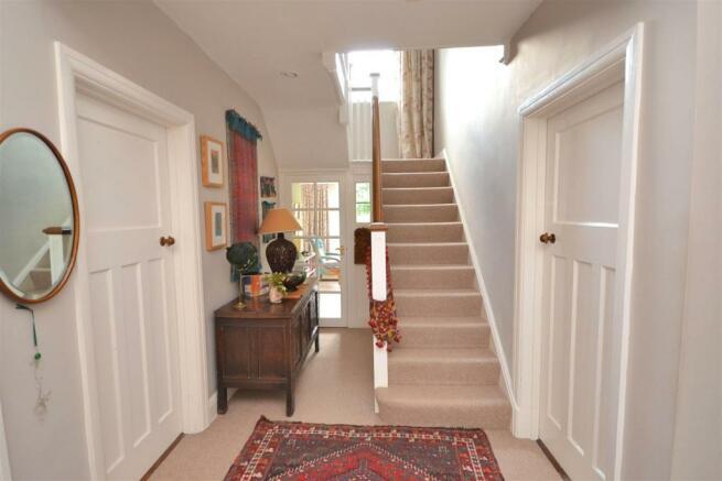 Hallway (17) (1).jpg