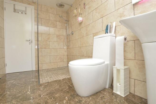 Top Floor Bathroom View 2