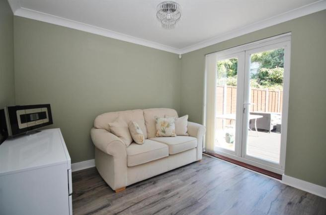 Sitting Room/ Bedroo